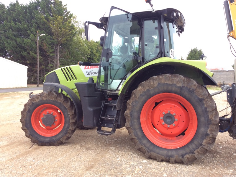 CLAAS - ARION 620 CIS